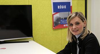 Gabriela Crouzet-Rehorova, directrice des admissions, dans le studio de l'AEFE