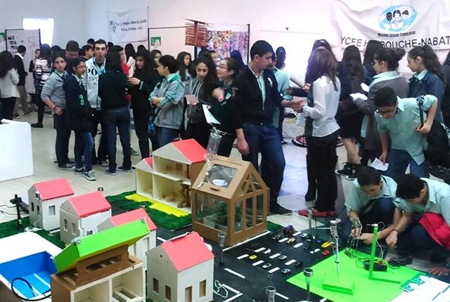 Maquette d'un éco Village réalisée par les élèves de la Sagesse Beyrouth. © AEFE