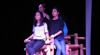 Rencontres théâtrales de la zone Asie-Pacifique à Vientiane : cinquante élèves sur les planches