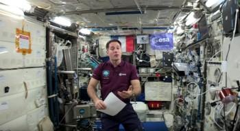 La nouvelle d'un élève du lycée français de Hong Kong lue depuis l'espace par l'astronaute Thomas Pesquet