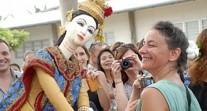 Journées de sensibilisation à la culture des pays d'accueil dans les établissements : exemples à Bangkok et à Dubai