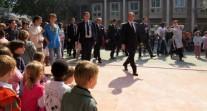 Le président de la République à la rencontre des personnels et des élèves du lycée français de Delhi, en Inde