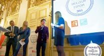 """Trophées des Français de l'étranger 2014 : remise du trophée """"Meilleur Espoir"""" à Max Cartoux"""