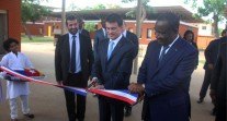 Le Premier ministre inaugure de nouveaux équipements aux lycées français de Lomé et d'Accra