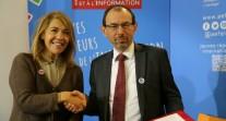 Salon européen de l'éducation novembre 2016 : poignée de mains entre Marie-Christine Saragosse et Christophe Bouchard