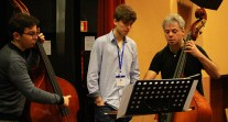L'Orchestre des lycées français du monde (saison 4) à Madrid : les contrebassistes en répétition