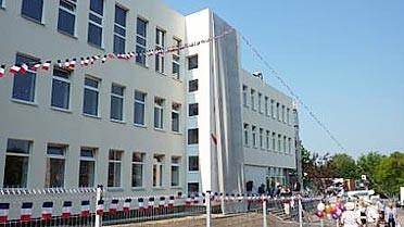<strong>Les nouveaux locaux de l'école française de Vilnius, 1
