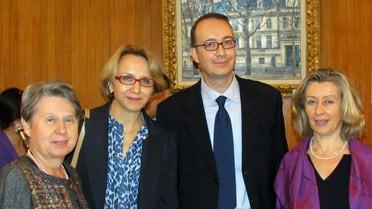 Mme Cerisier-ben Guiga, Mme Descôtes, M. Séguéla, Mme Conway-Mouret