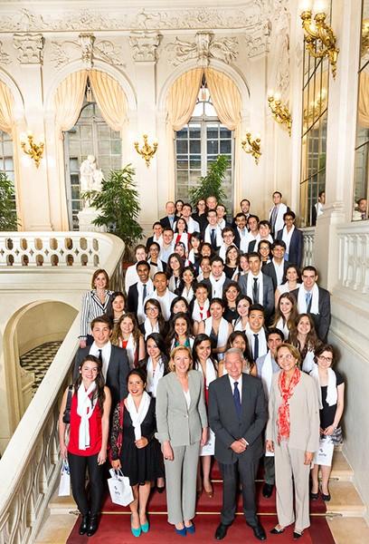 """Photo de groupe des """"5e années"""" au Sénat"""