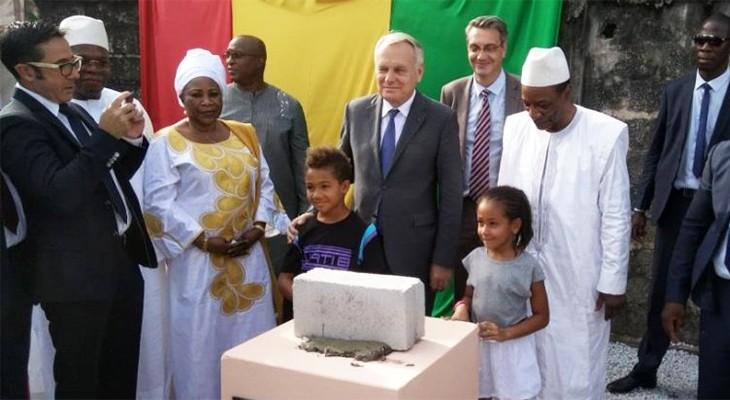 Pose de 1re pierre avec le président Alpha Condé à Conakry