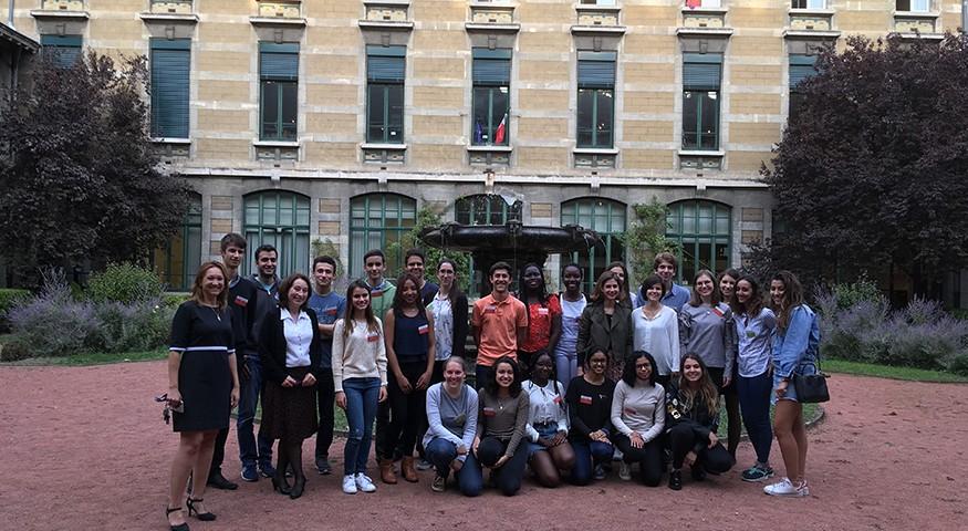 Photo de groupe à Lyon au lycée du Parc