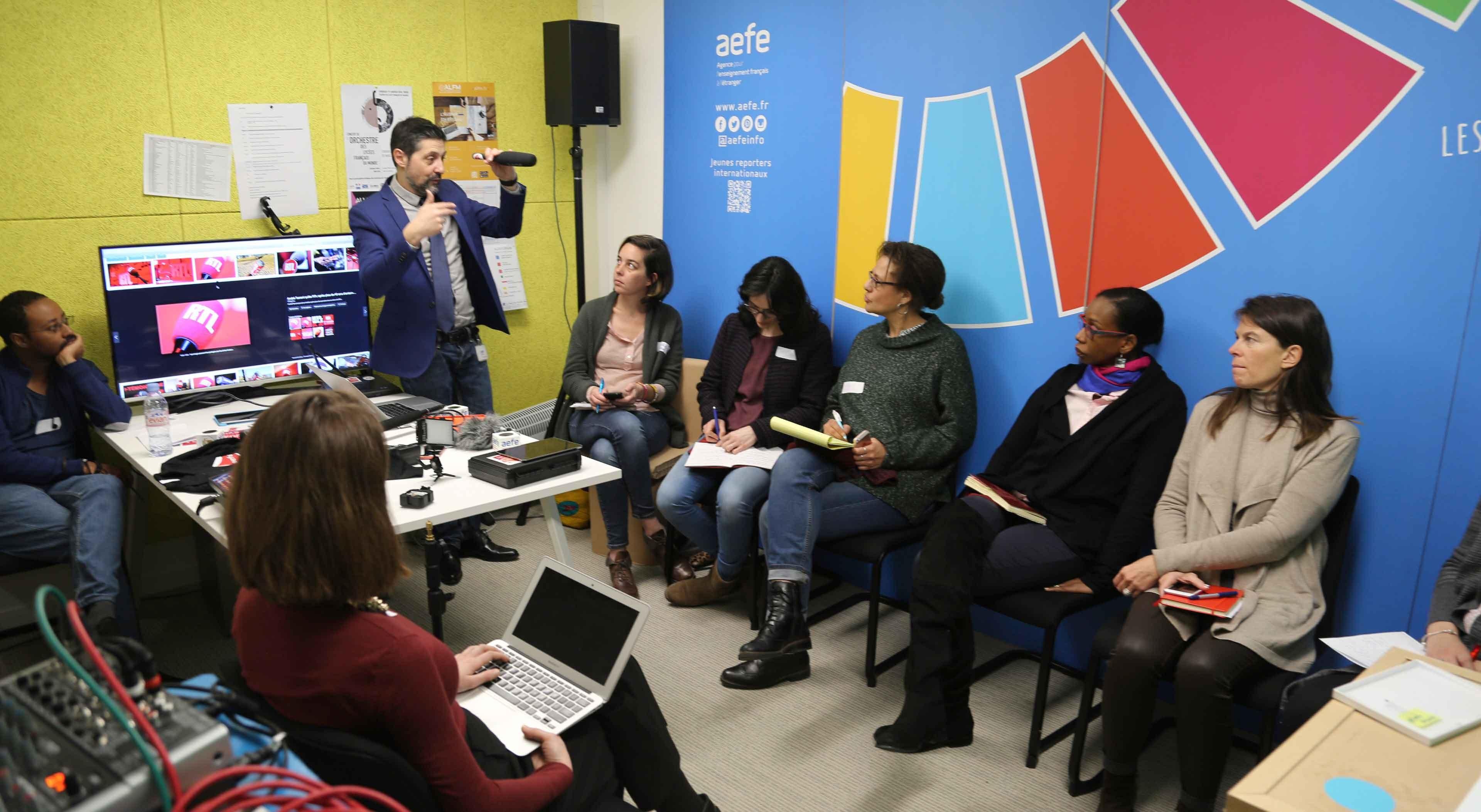 Atelier audiovisuel avec des référents en communication