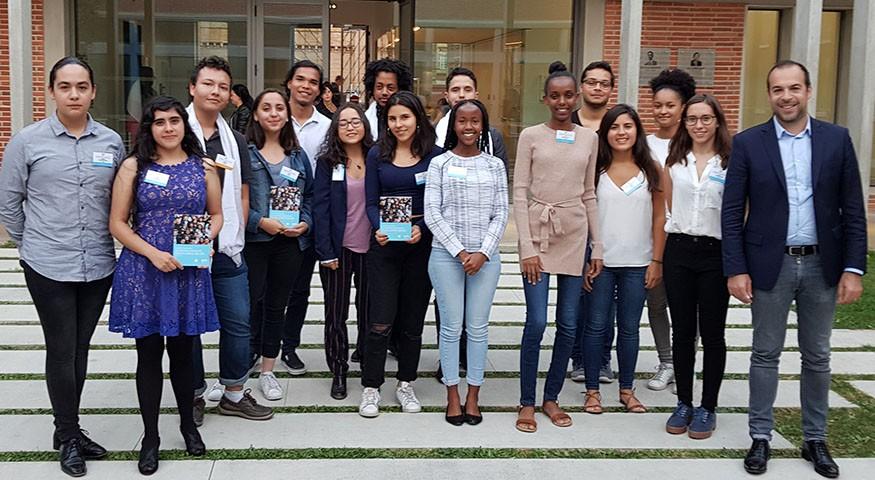 Photo de groupe des lauréats à Toulouse