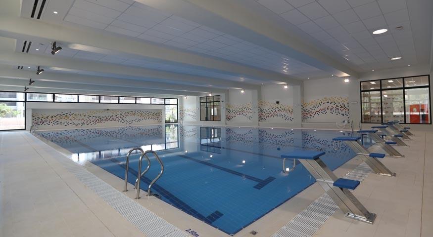Piscine du nouveau centre sportif et culturel à Beyrouth