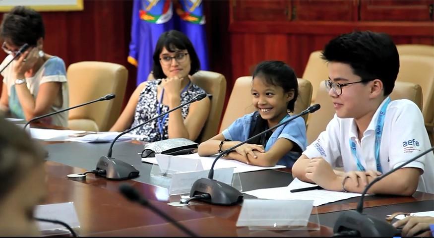 Débat lors de la finale à Phnom Penh