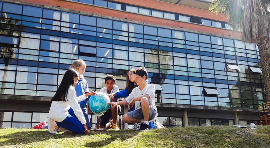 Prix du public pour le lycée français Jules-Supervielle, Montevideo, Uruguay