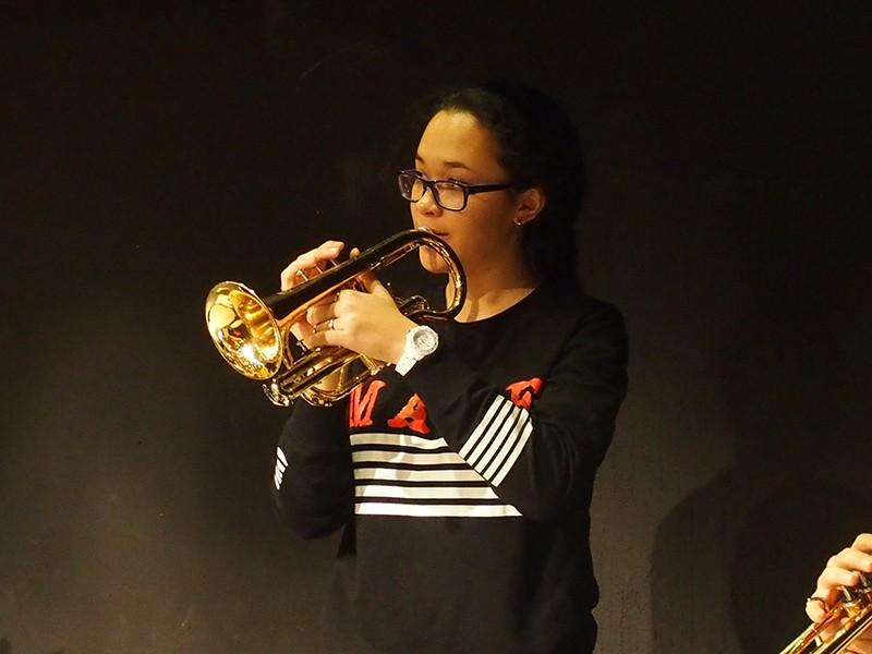 Une trompettiste