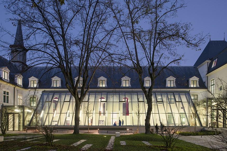 Le campus de Reims de nuit