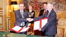 Signature de convention avec l'École polytechnique au Quai d'Orsay (7 novembre 2016)