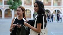 Promotion 2016 des boursiers Excellence-Major : deux jeunes étudiantes à Paris