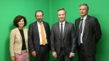 Visite de Jean-Baptiste Lemoyne à l'AEFE : photo de groupe