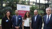 Promotion 2017 des boursiers Excellence-Major : responsables de l'AEFE et une ancienne boursière
