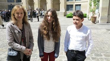 Dans la cour de l'Institut de France
