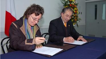 Accord avec l'Universidad Catolica de la Santisima
