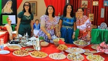 Buffet de gourmandises sur le stand algérien.