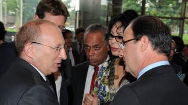 Le président, l'ambassadeur et les ministres