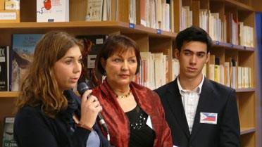 Témoignage d'anciens élèves. Au centre, Dominique Traboulsi, proviseur.