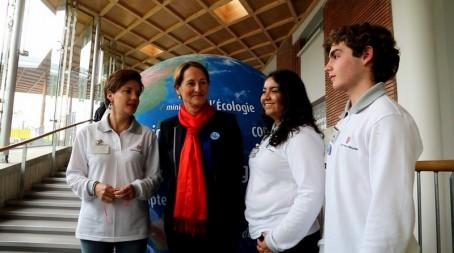La délégation péruvienne avec Ségolène Royal