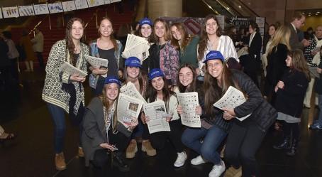 """Les élèves """"crieuses de journaux"""""""