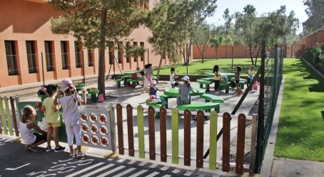 Marrakech : vue de l'espace extérieur ombragé
