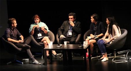 Table ronde avec Edwy Plenel à singapour