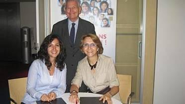 Signature de la convention entre l'ALFM et l'AEFE