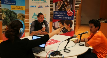 Frédérick Bousquet au studio radio