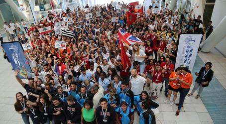Le groupe réuni pour la cérémonie d'ouverture
