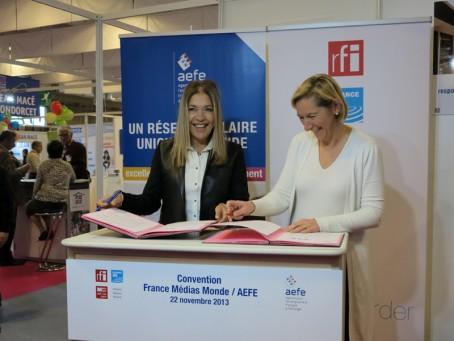 Signature de la convention AEFE/FFM