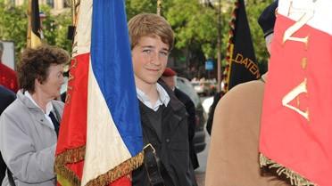 <strong>Le drapeau offert au lycée par le général de Gaulle</